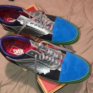 captain marvel Vans never worn